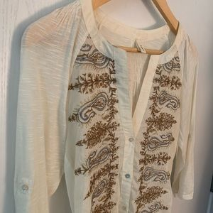 Gold/silver embroidered 3/4 sleeve button up